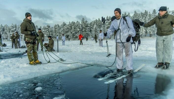 Nederlandske soldater på vintertrening i Norge.