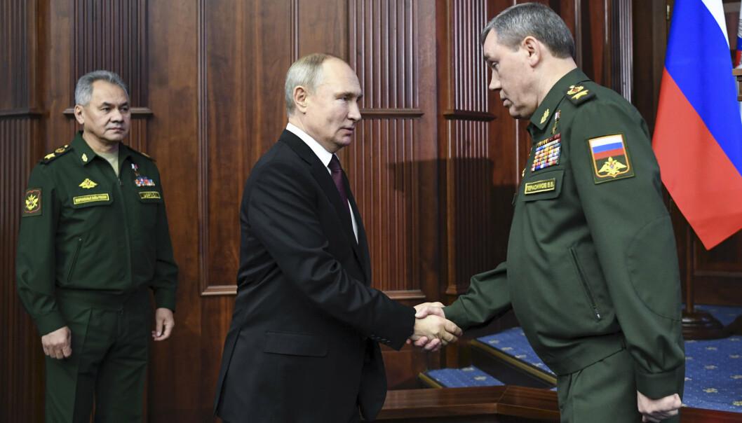 KLAGE: Russland vil alltid klage på militær aktivitet som skjer i deres nærområder, skriver oberst Arvid Halvorsen. Her ser vi Russlands president Vladimir Putin, den russiske generalen Valery Gerasimov (til høyre) og forsvarsminister Sergei Shoigu.