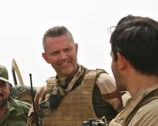 Da Terje kjempet mot IS i ørkenen møtte irakiske generaler med medbragt dusj, nypresset uniform og parfyme
