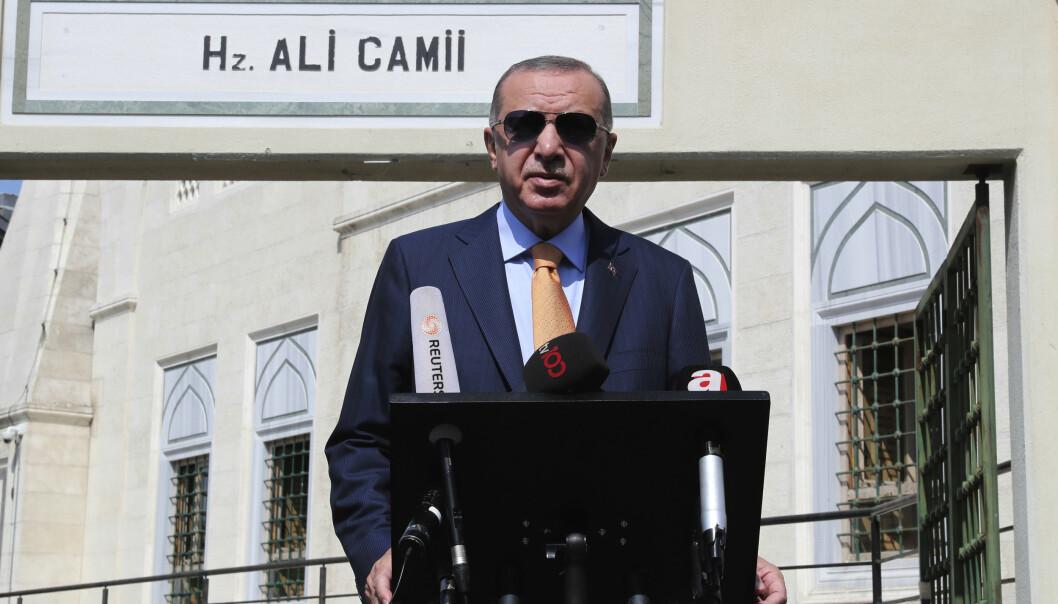 UVENNSKAP: Tyrkias president Recep Tayyip Erdogan snakket med journalister 18. september 2020, etter en konfrontasjon med Hellas i Middelhavet.