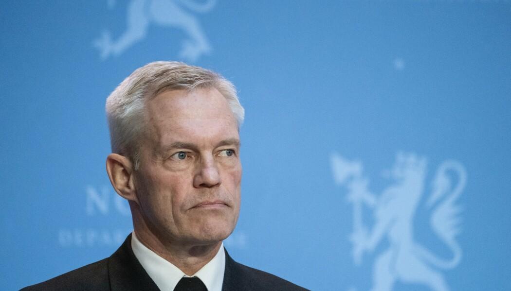E-TJENESTEN: Det lille fåtallet som legitimt driver med offensive angrepsmetoder i Norge har rettslig adgang med hjemmel i et særskilt lovverk, som Etterretningstjenesten, skriver Simen Bakke. Her ser vi sjef for E-tjenesten Nils Andreas Stensønes.