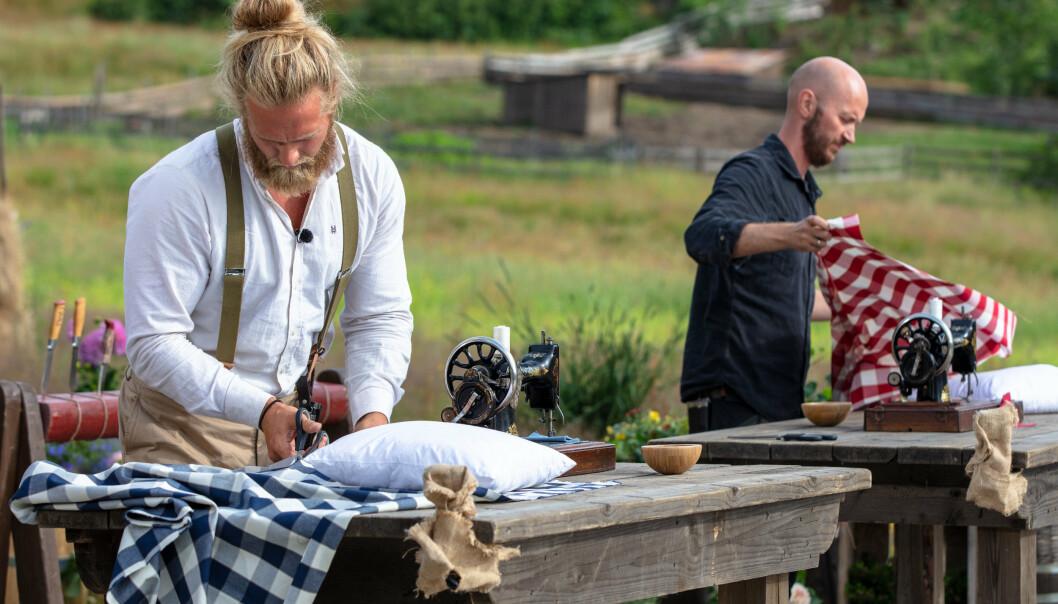 FINALEPLASS: Terje Sporsem (t.h) vant matlagingskonkurransen og sikret seg den første finaleplassen av Farmen kjendis. Deretter vant Lasse Matberg i melkespannholding mot Sølje Bergman og sikret seg dermed den andre finaleplassen.