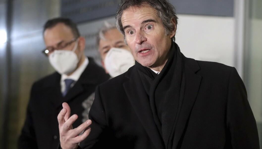 MØTE: IAEA-sjef Rafael Mariano Grossi møtte pressen i Wien søndag, etter samtaler i Teheran.