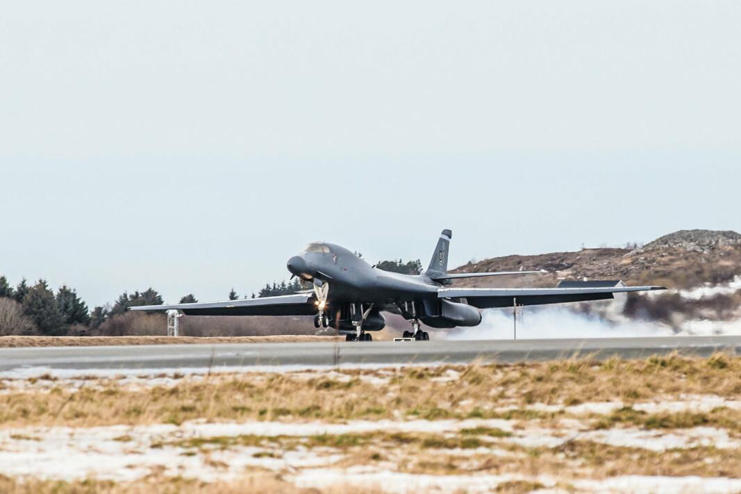Her lander et B-1B Lancer på Ørland flystasjon mandag ettermiddag.