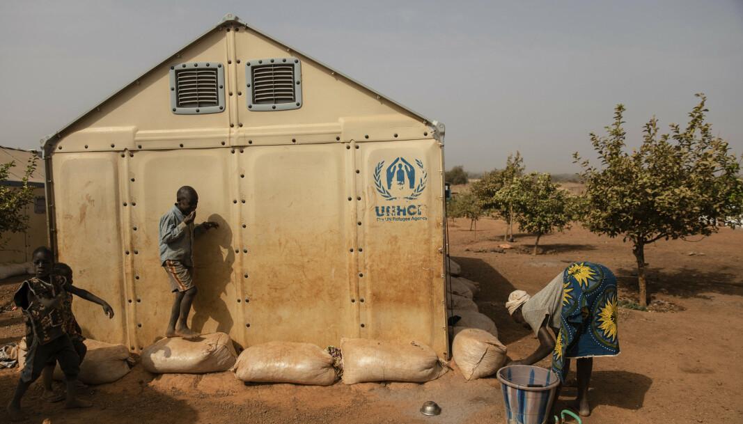 Barn som leker nord for Burkina Faso.