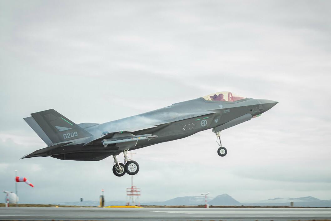 ØKER: Sju milliarder kroner i forsvarsbudsjettet for 2022 skal brukes til innfasing og baseløsning for F-35 kampfly.