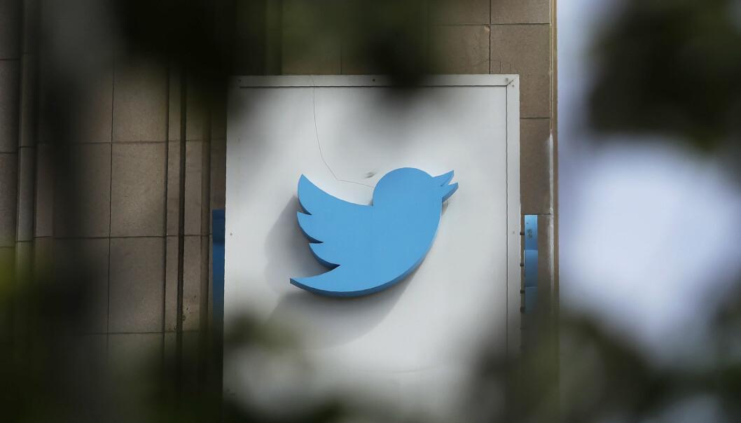 Twitter har fjernet flere hundre kontoer som ifølge selskapet er blitt brukt i statlige informasjonsoperasjoner.