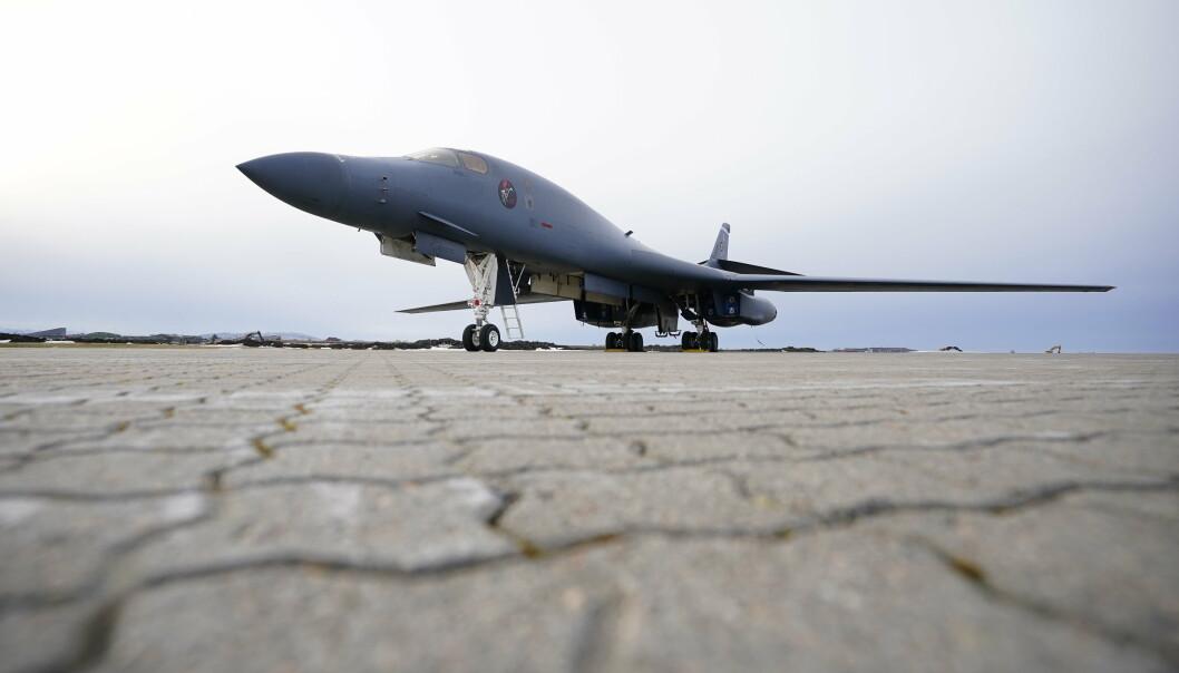 Amerikanske bombefly er et svar på Russlands handlinger, skriver Tom Myrvold. Her ser vi B-1B «Lancer» bombefly som landet på Ørland flystasjon.