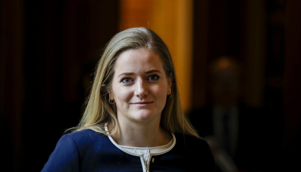 STANS: Senterpartiets Emilie Enger Mehl krever at regjeringen stanser salget av skipsmotorselskapet Bergen Engines til et russiskkontrollert selskap.