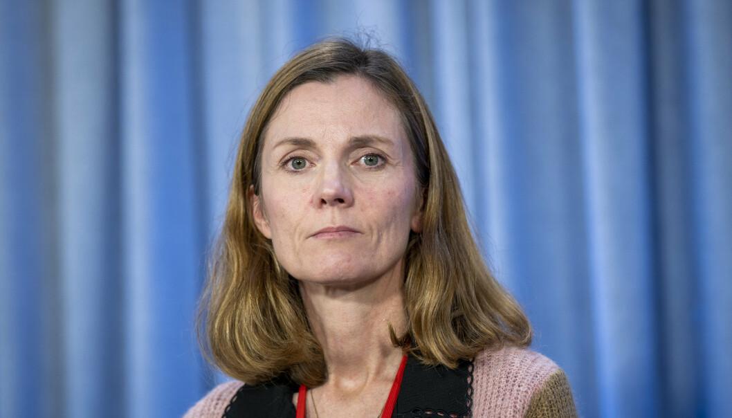 MOST: FFI-forsker Kari Røren Strand presenterer Forsvarets undersøkelse om mobbing og seksuell trakassering.
