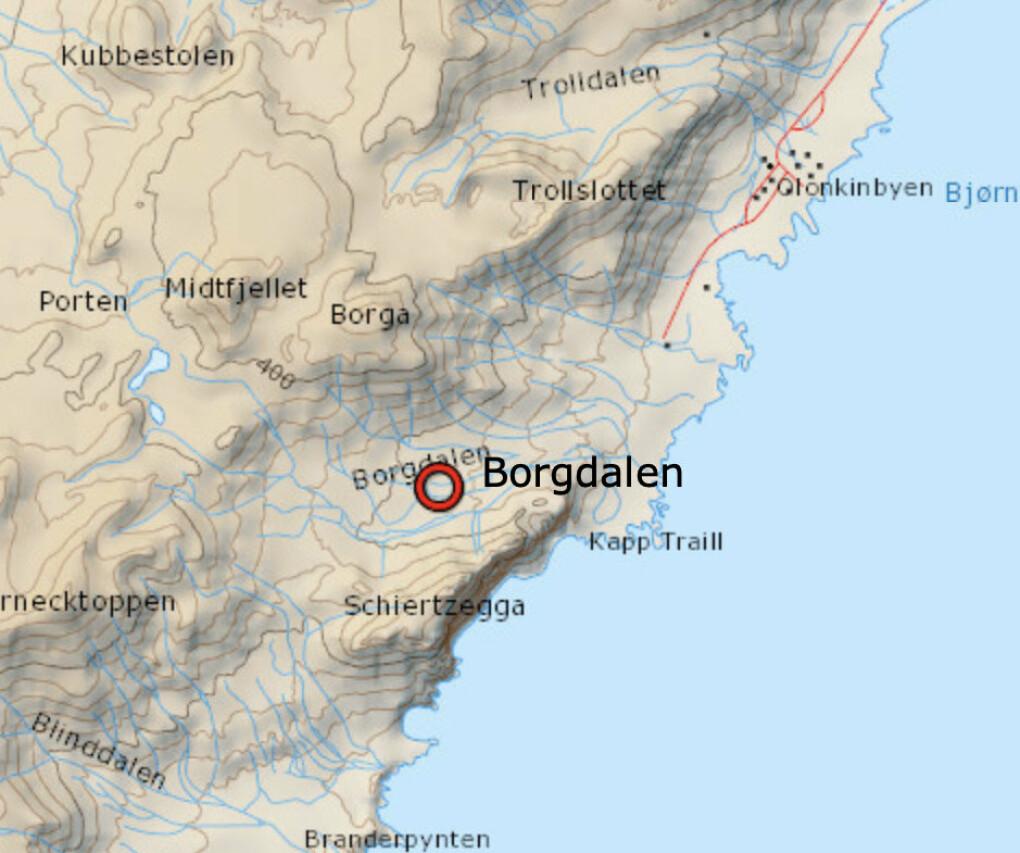 Kart over sørdelen av Jan Mayen. De befant seg i Borgdalen da skredet gikk - dalen er uthevet på kartet. Borgdalen ligger to-tre kilometer sørvest for stasjonen i Olonkinbyen.