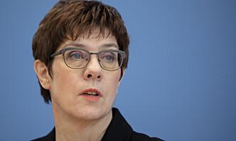 Tysklands forsvarsminister besøker soldater i Afghanistan