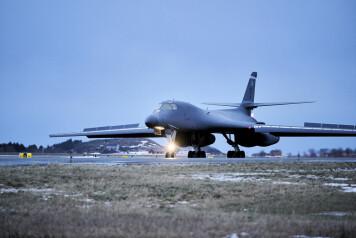 Amerikanske bombefly har gjennomført sitt første oppdrag i Norge
