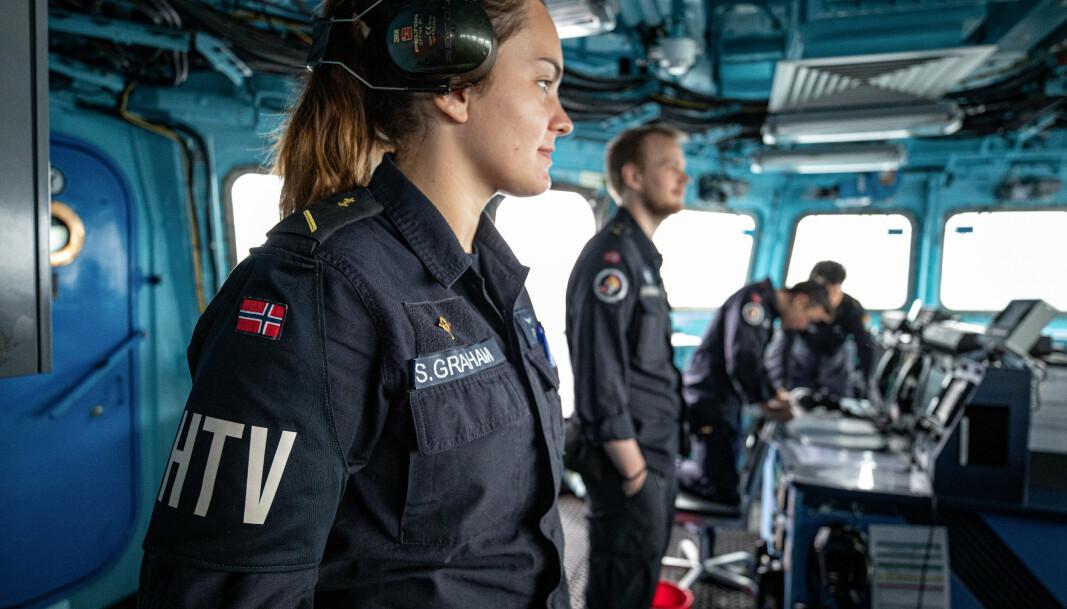 Gesine Stoltenberg Graham under en øvelse med fregattvåpenet.