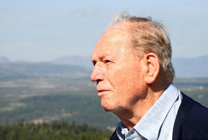 Erling Lorentzen blei 98 år gamal. Han døydde 9. mars 2021.