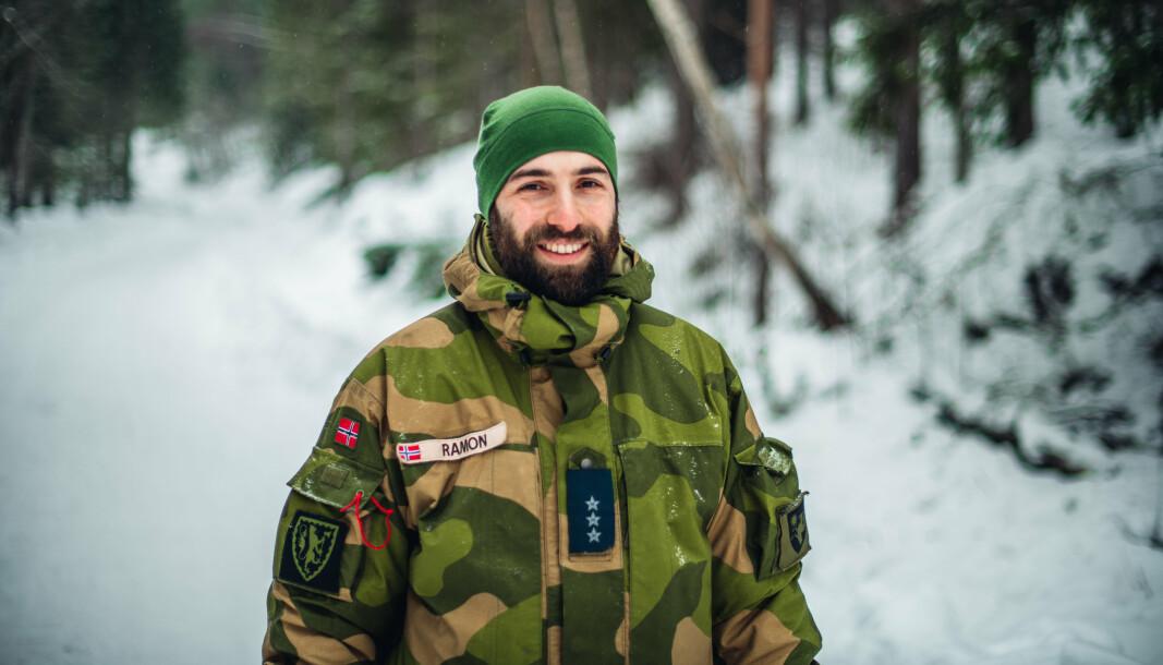 Kompanisjef Ramon Karadash på øvelse på Heistadmoen.