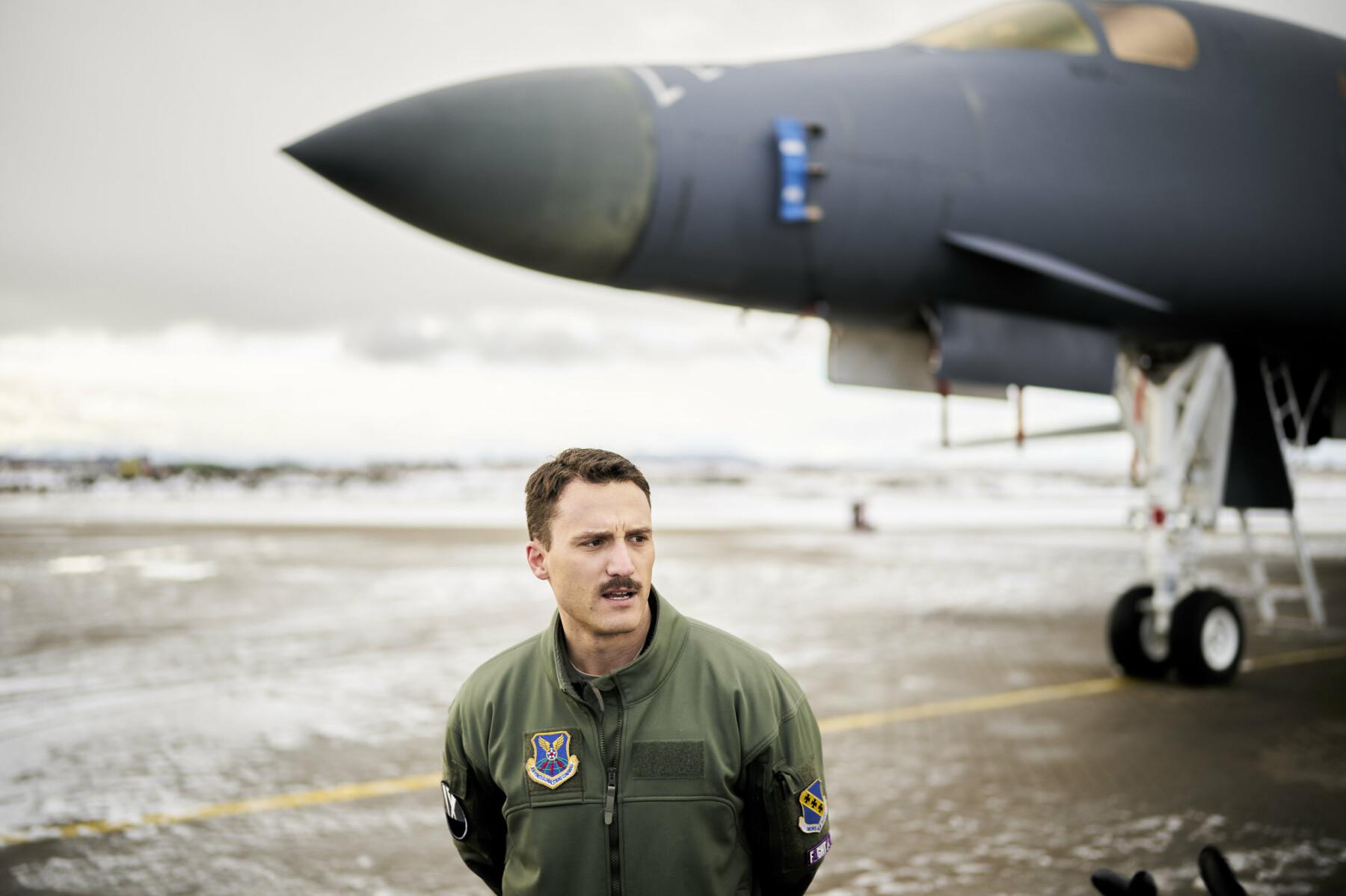 VIKTIG: Den amerikanske piloten på Ørland sier til Forsvarets forum at samtreningen med nordmennene er viktig.