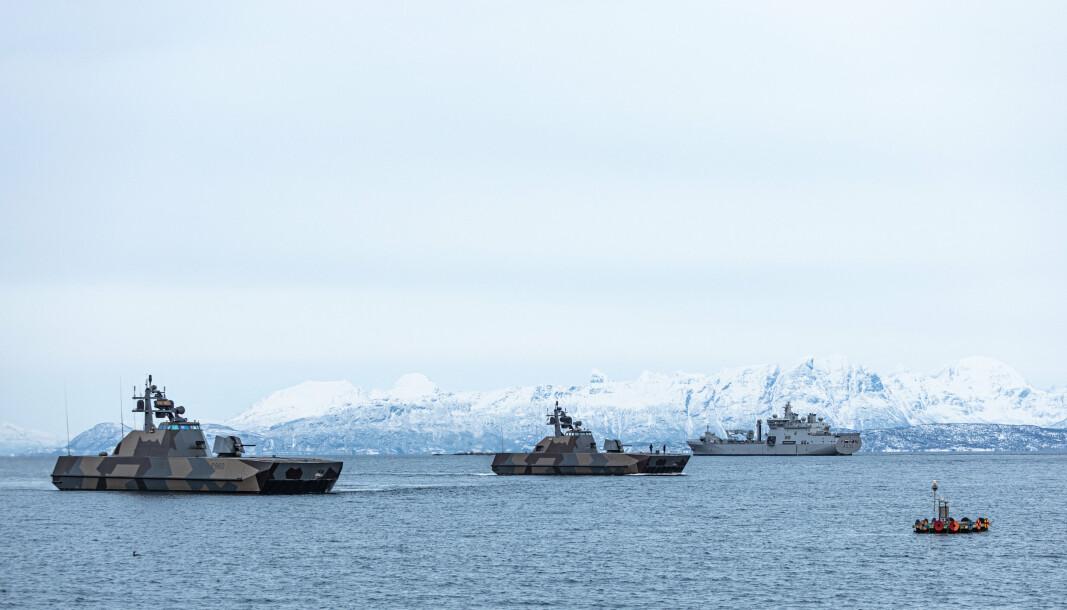 SAMTRENING: Sjøforsvaret trener med utenlandske styrker.