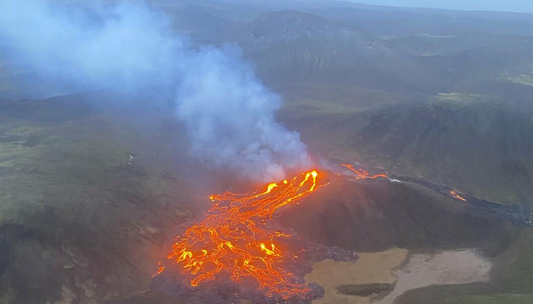Vulkanutbruddet fotografert fra luften av den islandske kystvakten.
