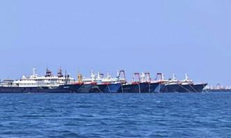 Filippinene krever at kinesiske båter forlater deres farvann