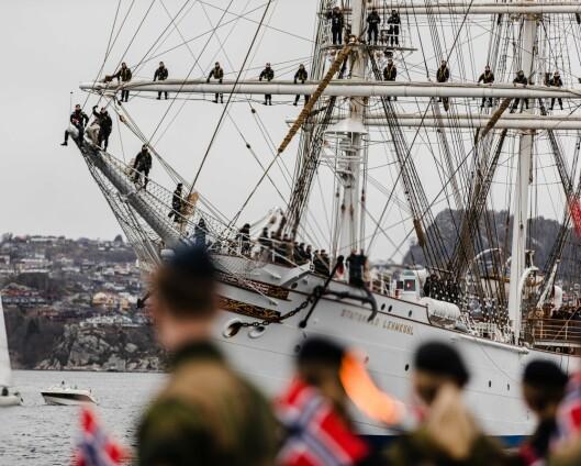 Returnerte til Sjøkrigsskolen med shanties fra riggen