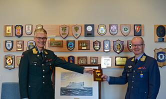 Nå skal den tidligere luftsjefen være med å avhende F-16