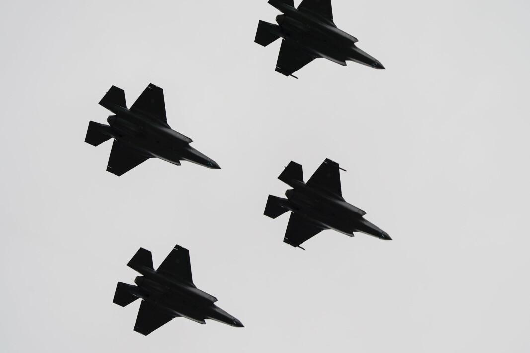 JAGERFLY: F-35 flyr over Akershus festning under 75-årsmarkeringen for frigjøringen 8. mai 2020.