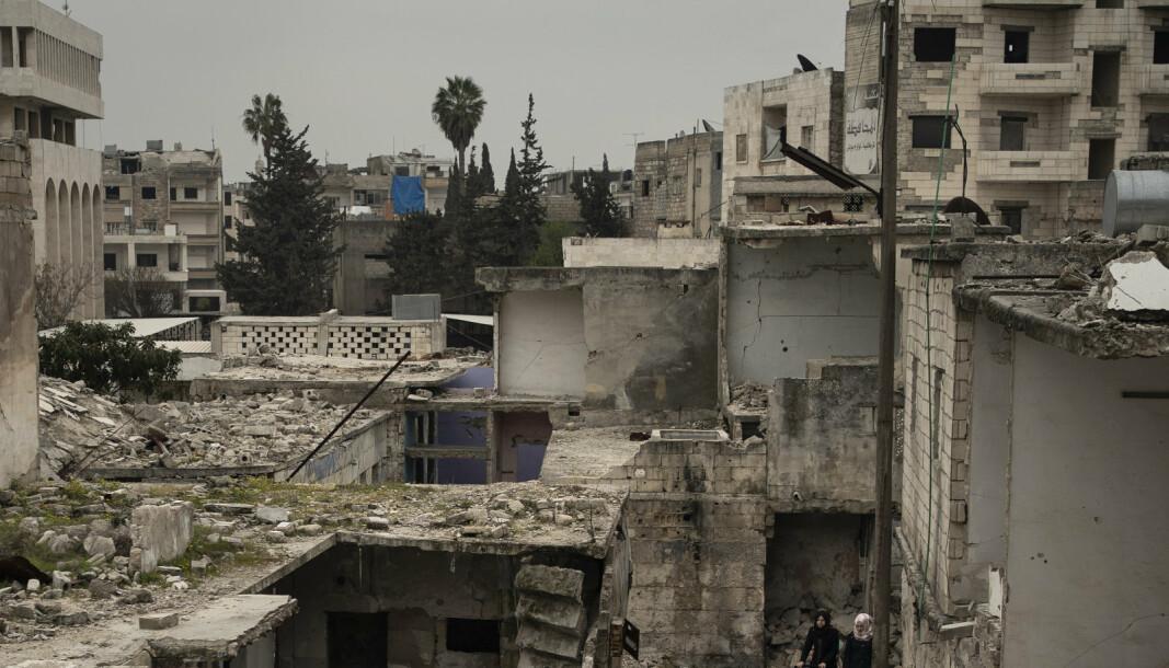 IDLIB: Bildet over er fra et bombet nabolag i Idlib, fra mars 2020.
