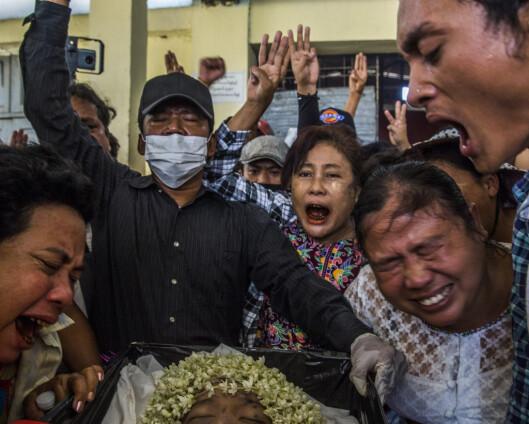 Militærkuppet i Myanmar: Over 500 er drept