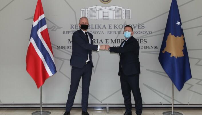 NORSK MØTE: Armend Mehaj møtte nylig Norges ambassadør til Kosovo Jens Erik Grøndahl.