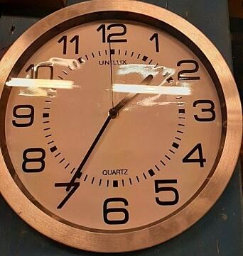 STANSET: En klokke inne på basen som stanset på tidspunktet hvor de første missilene landet.