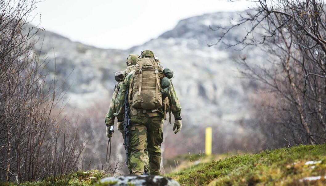GRENSEVAKT: Vi holder orden i eget bo ved hjelp av for eksempel kystvakt og grensevakt, skriver Elisabeth Natvig. Her ser vi grensejegere langs grensa til Russland.