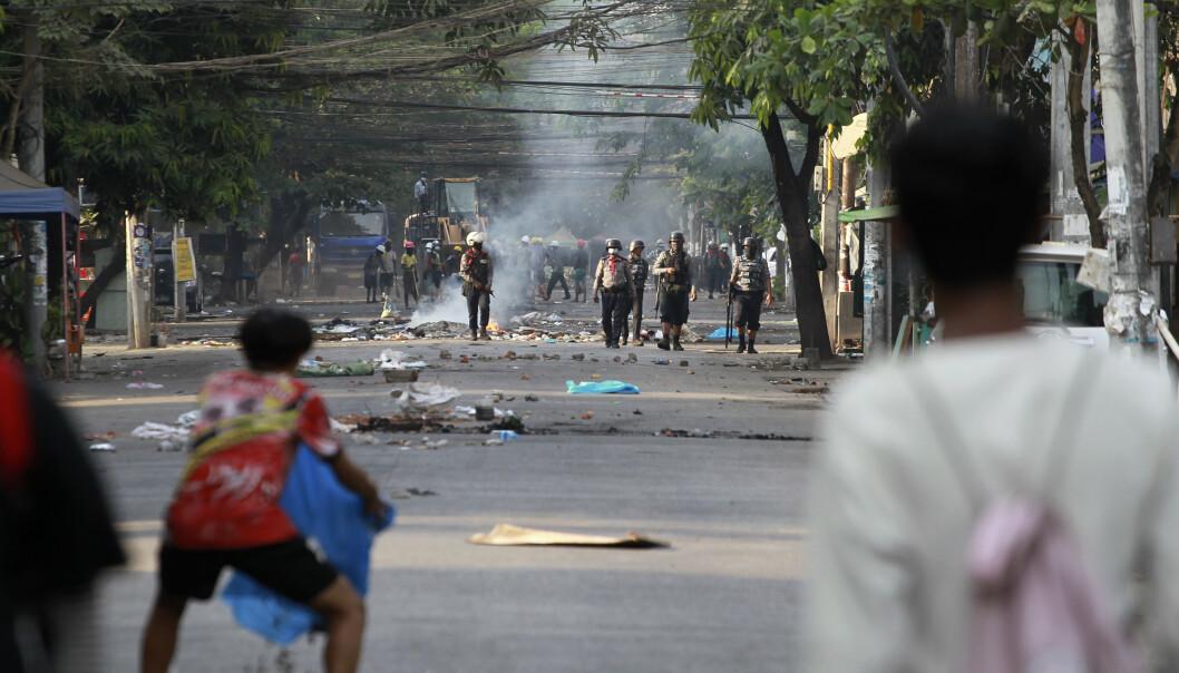 NYE KONFRONTASJONER: Torsdag var det nye demonstrasjoner mot kuppmakerne i Yangon i Myanmar.