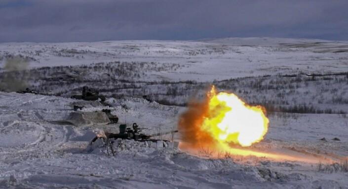 Russland har satt i gang en rekke militærøvelser i nordområdene