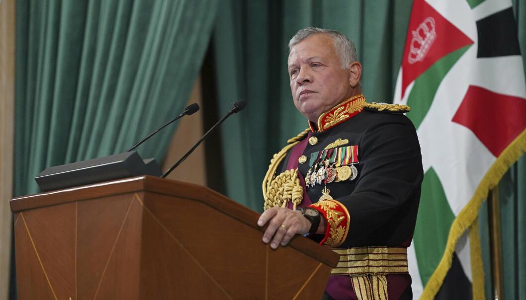 Kong Abdullah II av Jordan, her på talerstolen i Amman i desember i fjor.