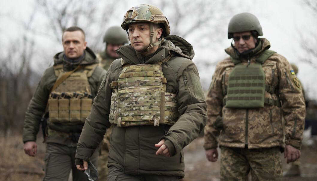 KRIGSSONE: Ukrainas president Volodymyr Zelenskyj under et besøk til styrkene sine i Donetsk tidligere i år.