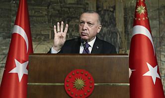 Ti pensjonerte admiraler pågrepet i Tyrkia