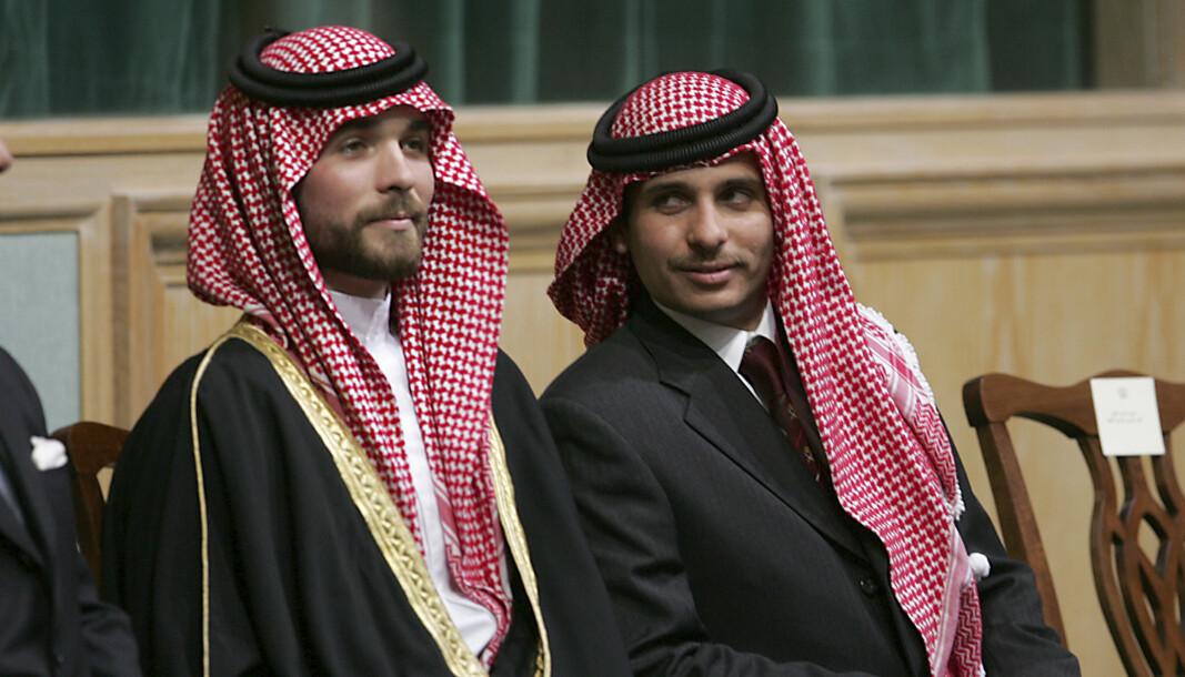 PÅGREPET: Prins Hamza Bin Al-Hussein t.h., og prins Hashem Bin Al-Hussein. Minst 16 av Hamzahs medarbeidere er pågrepet, blant dem en tidligere hoffsjef og en tidligere minister.