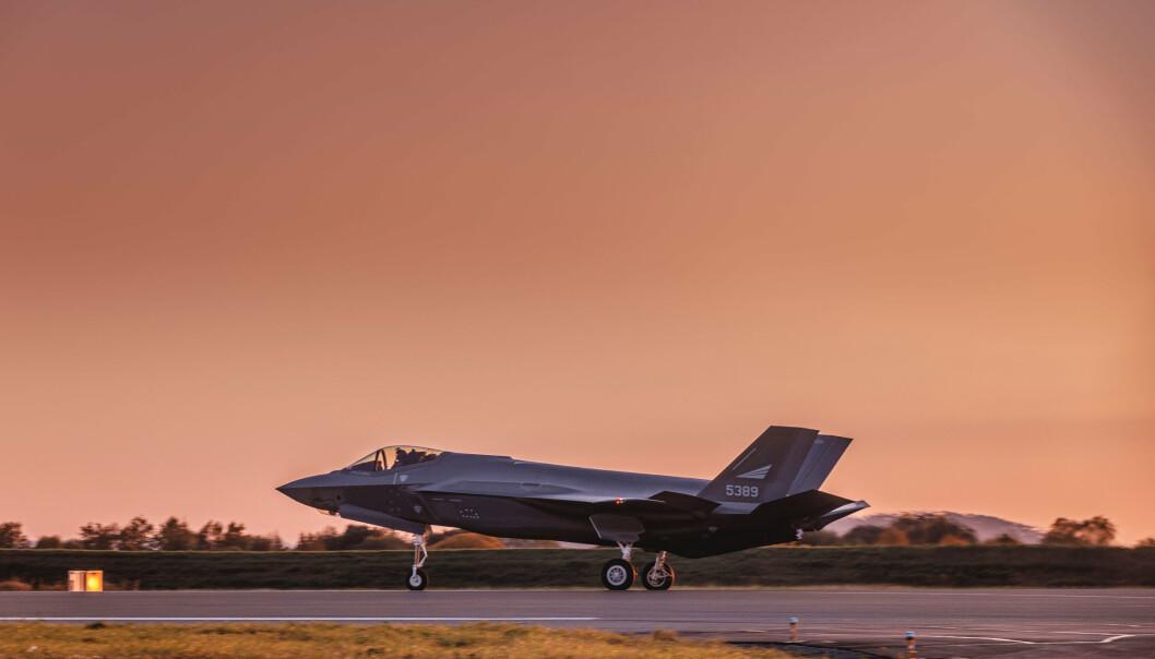 TRIPPELT: Forsvarstidskriftet Jane's anslår at hver flytime for F-35 koster nærmere 300.000. Det er tre ganger dyrere enn det Luftforsvaret anslår.