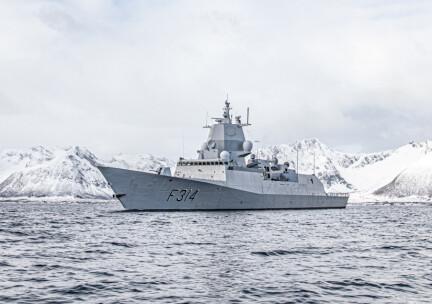 Fregatt overvåket russisk militær aktivitet og hentet påskeegg i Berlevåg