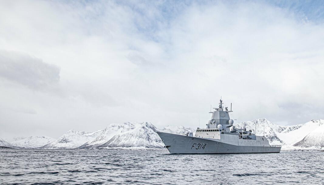 KNM Thor Heyerdahl har vært i Barentshavet deler av påsken for å observere russisk militær aktivitet.