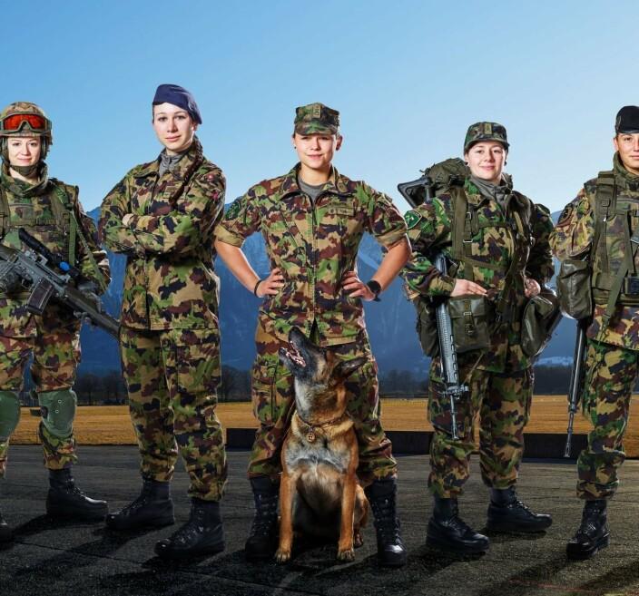 Kvinnelige sveitsiske soldater får ikke lenger herreundertøy