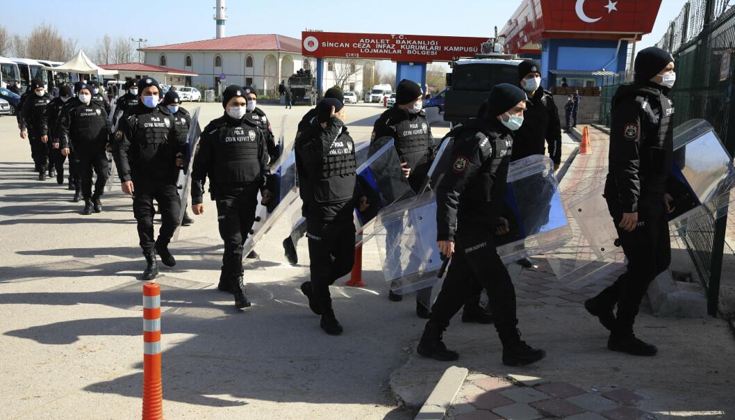 DØMT: Tidligere soldater er dømt for kuppmedvirkning i en domstol i Ankara.