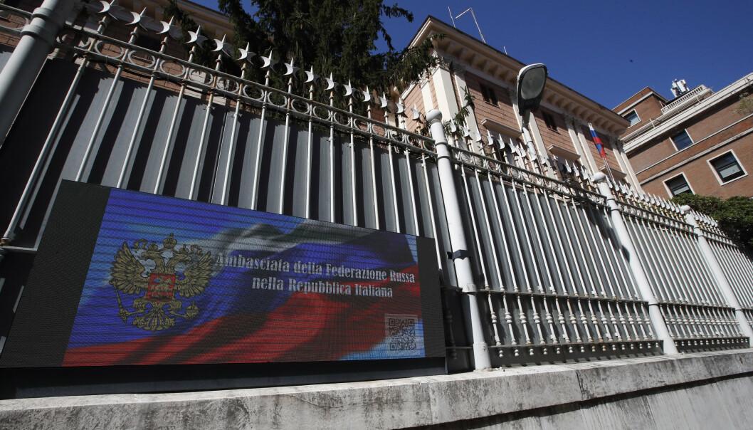 DEN RUSSISKE AMBASSADEN: Italia har utvist to ansatte ved ambassaden etter at en italiensk offiser er siktet for spionasje.