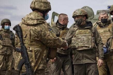 Putin og Merkel bekymret over spenning i Øst-Ukraina