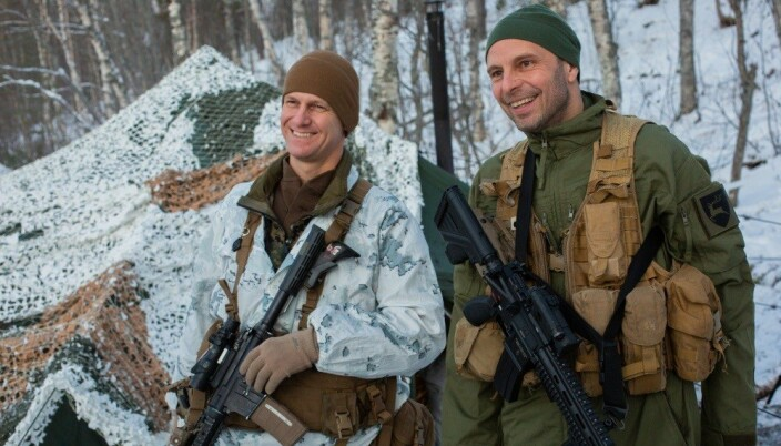 VERT: Hæren er vertsavdeling for allierte styrker som trener i Norge. Her er brigadesjefen i felt med US Marine Corps.