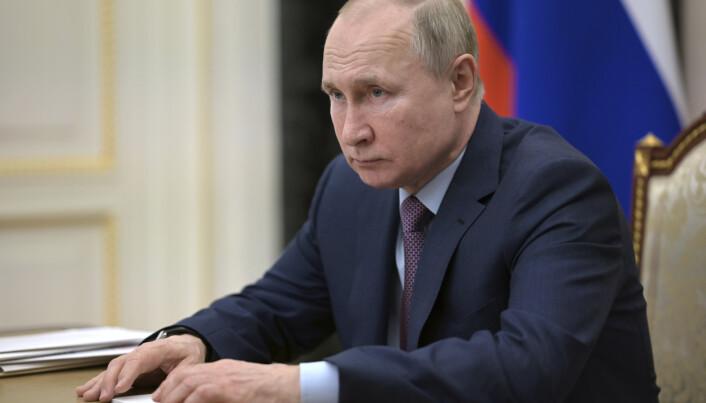 KRITISK: Putin og hans regjering beskylder Nato for å øke våpenleveransene til Ukraina.