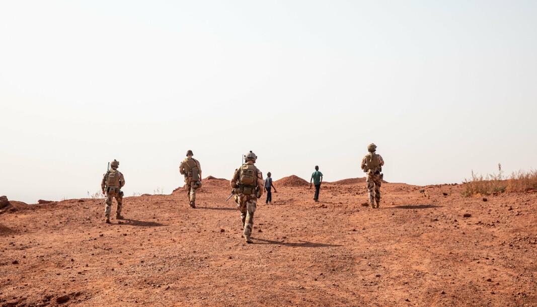 AVBIDLET: Styrkebeskyttelsesoldater fra NORTAD III på rekognosering i Bamako, Mali.