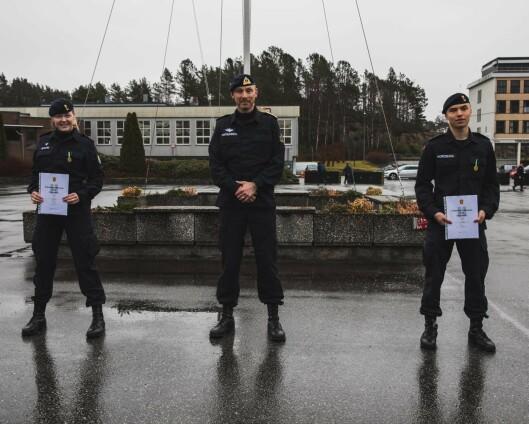 Menige i Sjøforsvaret mottar feltsportmedaljen for første gang