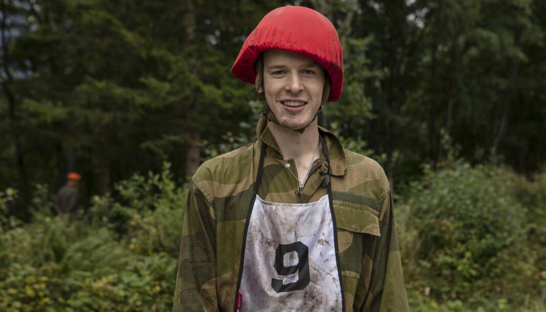 KONTROLL: Carl Martin Eggesbø synes det verste med uniformen var å ha utstyrskontroll over alle lommene.